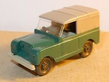 MICRO WIKING HO 1/87 LAND ROVER VERT FONCE CAPOTE GRISE + conducteur + CROCHET