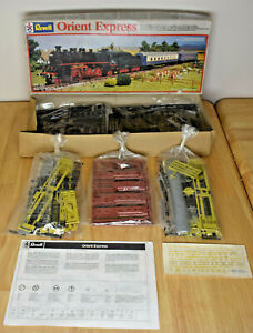 HO SCALE 1:87 REVELL ORIENT EXPRESS PLASTIC MODEL TRAIN KIT 2190 FROM 1984