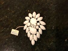 Signed WEISS Vintage Brooch/Pin Dazzling White Stones