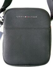 Tommy Hilfiger Signature Reporter Bag AM05228