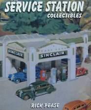 LIVRE/BOOK : STATION DE SERVICE objets (pompe à essence,boîte,signe,globe ...