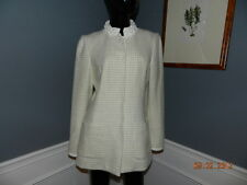 Ladies Elie Tahari Winter White Jacket Pleated Collar Detail Size 8 GORGEOUS
