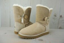 UGG BAILEY BUTTON SAND  ORIGINAL SHEEPSKIN LINED  WOMENS BOOTS US 11 NIB