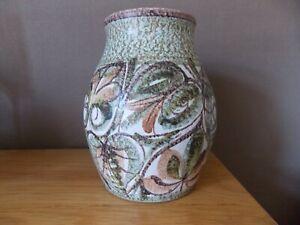 Vintage Glyn Colledge Vase  Bourne, Denby approx. 18 cm tall, green leaf design