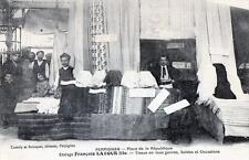 CPA 66 PERPIGNAN PLACE REPUBLIQUE ETALAGE FRANCOIS LATOUR FILS TISSUS EN TOUS GE