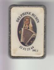 RARE PINS PIN'S .. MUSIQUE MUSIC ACCORDEON MUSETTE TANGO SEXY DELPHINE HUBIN ~DE