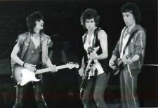 THE ROLLING STONES PHOTO1982 UNIQUE IMAGE KEITH RICHARDS BILL WYMAN RONNIE WOODS