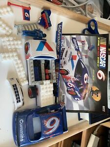 Mega Bloks Mark Martin #6 Nascar 96 Pieces Car Driver 9922 Scale 1:29 Assembled