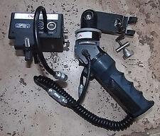 POIGNEE ZOOM ANGENIEUX SZH84 ST + MOTEUR M88ST  POUR OBJECTIF  VIDEO BROADCAST