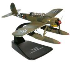 Aéronefs miniatures avions militaires verts