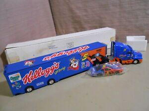 Kellogg's Terry Labonte #5 Transporter & Nascar Car 1/64 NIB