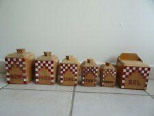 ancienne série 5 pots à épices + boite allumette en bois LUSTUCRU art populaire
