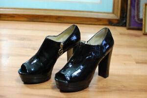 Michael Kors Black Patent Leather Platforms Heels Peep Toe Size 7.5 US Unworn