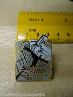 Star Trek Next Generation Relics Series Episode Pin Badge STPIN8902