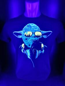 """Herren T-Shirt """"Yoda"""" mit Druck UV aktiv Schwarzlicht Neon"""