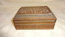 Vintage madera dura tallada de la India Caja de la baratija detallada