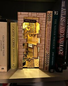 Daigon Alley Book Nook - Complete Kit, No Tools Required, With Lights.