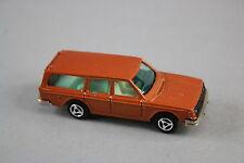 V553 Majorette 1/60 ref 220 voiture Volvo 245 DL pas de boite mordoré