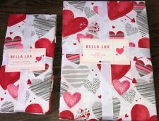 BELLA LUX Pink, Red, Gray Valentine Hearts Tablecloth 70 Round & Napkins