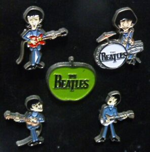"RARA SERIE n°5 PINS GRUPPO MUSICALE ""THE BEATLES"" (vedi foto allegata)"