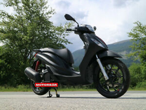 Piaggio Medley 150 S ABS E5 schwarz LED Scooter Roller AKTION/ Netto € 3305,-