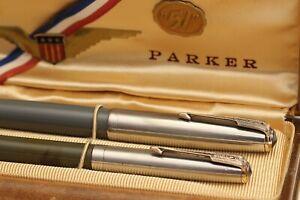 1940s vintage PARKER 51 FOUNTAIN PEN & PENCIL SET w/BOX - Grey & Steel & Gold