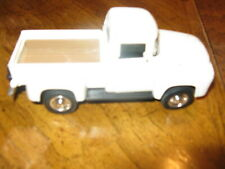 Vintage 1956 Ford F-100 Street Cruiser Pickup White New Ray Toys 1:32 Scale