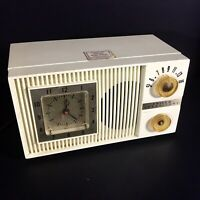 Vintage Philco Tube Saver Alarm Clock Radio C718