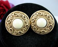NAPIER Round White Cab S Design CLIP ON SCREW BACK EARRINGS Vintage Goldtone 1""