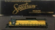 BACHMANN SPECTRUM POWERED DASH 8-40C CHICAGO & NORTHWESTERN LOCOMOTIVE HO SCALE