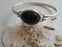 Vintage Mexico Taxco Sterling Silver Front Open Onyx Bangle Bracelet  RE393
