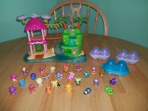 Hatchimals Colleggtibles Tropical Party Playset 25 Figures 3 Small Egg Cartons