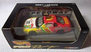 TERRY LABONTE Kellogg's NASCAR #5 Car (1:43)  1997 Hot Wheels  PRO Racing #19238