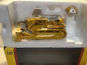 International Harvester TD-25 Crawler Dozer First Gear 50-3132 -Umbrella 1/50