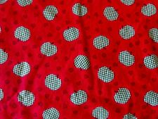 GREEN APPLE DESIGN ON RED COTTON QUILT FABRIC - CLASSIC COTTONS - 2002