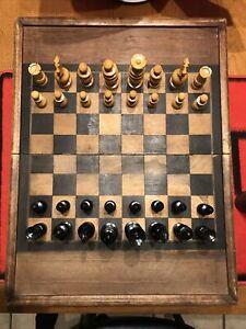 Ancien jeu d'échecs En Buis Tourné & Backgammon Boite marqueterie Gobelets,Dès