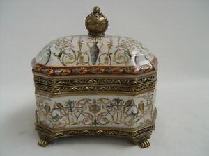 99937877-dss Messing Keramik Deckel Dose Schatulle Krone H20cm