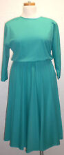 1970s Vintage Chapter Two Dolman Sleeve Green Polyester Casual Career Dress Sz14