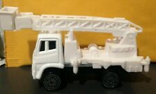 Die Cast White Single Axle Boom Truck with Extending Man-Lift, New, No Package