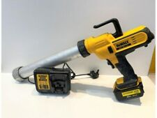 DeWalt DCE580M1 18V XR 600ml Caulking Gun 1x battery and charger