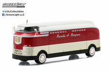 GREENLIGHT HOBBY EXCLUSIVE - 1940 GENERAL MOTORS FUTURLINER PARADE OF PROGRESS