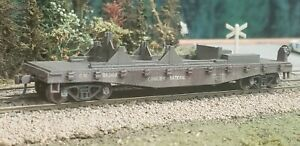 Athearn HO Canadian National (CN) 40' Flat Car w/Mounts - Custom Weathered