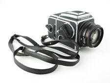 Hasselblad 500 C/M 6x6 SLR + Carl Zeiss Planar 1:2.8 f=80mm T* mit Gurt strap
