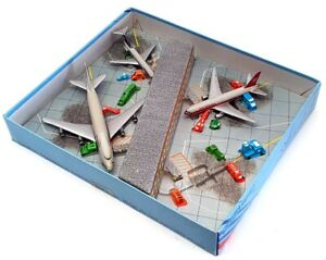 Schabak 1/600 Scale Aircraft 912/9 - Airport Souvenir Set