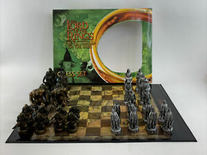 The Lord Of The Rings Fellowship Of The Ring Collectible Chess Set Board Game!