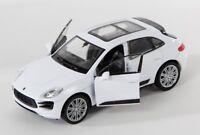 BLITZ VERSAND Porsche Macan Turbo weiss / white Welly Modell Auto 1:34 NEU & OVP