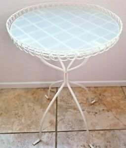 """Vintage 1999 Ikea """"Melhus"""" 15"""" Frosted Glass Table Spiral Pattern White Base"""