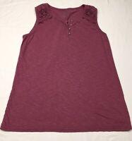 Cabela's Womens Top Sleeveless Shirt size M Light burgundy color.