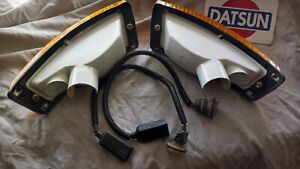 Datsun 70- 8.74 240z 260z OEM Front Turn Signals (2x, Left & Right) w/ Harnesses