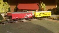 JOUEF,ROCO,PIKO et autres échelle ho lot de 2 wagons couvert ,COCA et RENAULT